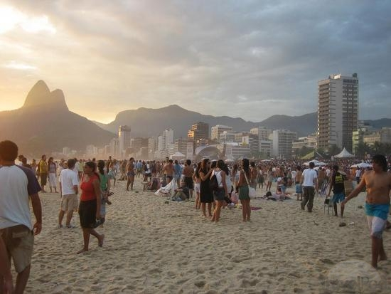 beach-party-stage-in-background-rio-de-janeiro